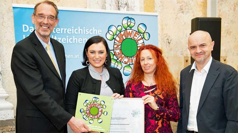 Dodiljenje Austrijanskoga znaka za okolišni svit osnovnoj školi Veliki Borištof