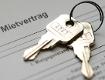 Wohnungsschlüssel auf Mietvertrag