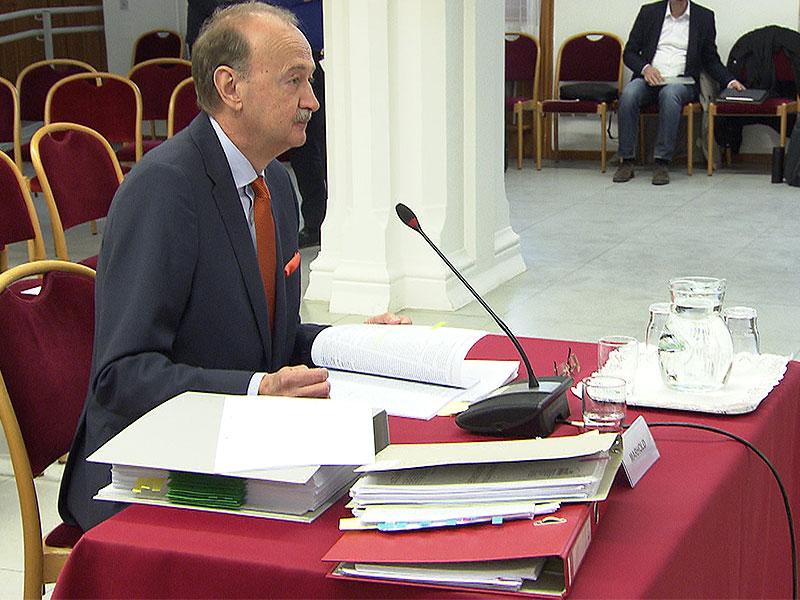 Wilhelm Marhold vor U-Kommission zum Krankenhaus Nord