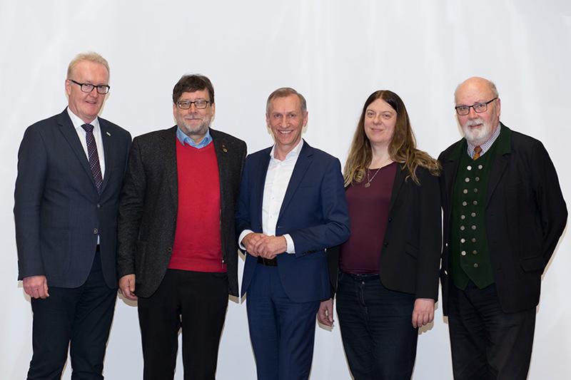 Die SpitzenkandidatInnen der in der künftigen AK-Vollversammlung vertretenen Fraktionen: Franz Gosch, Kurt Luttenberger, Josef Pesserl, Sandra Hofmann und Harald Korschelt (v.l.)