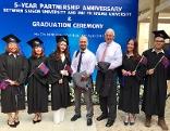 Vertreter des IMC Krems mit Studierenden der Saigon Universität