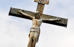 Kreuz mit Jesusfigur