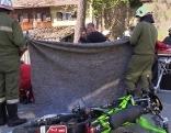 Unfallfahrzeug Motorrad auf der Straße liegend