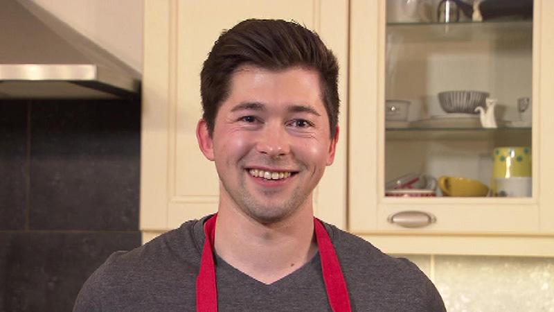 Max Wascher bietet zu Hause Kochkurse an
