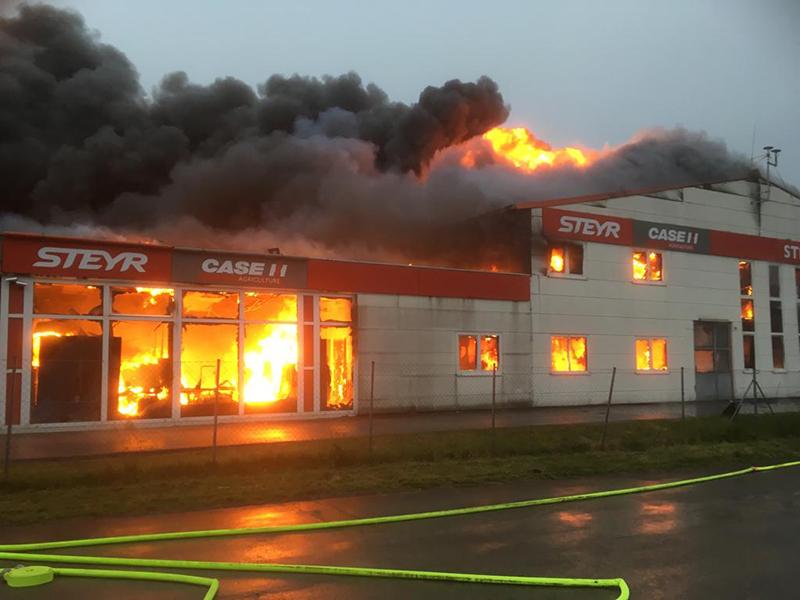 Beliebt Bevorzugt 120 Helfer bei Großbrand im Bezirk Korneuburg - noe.ORF.at #BV_24