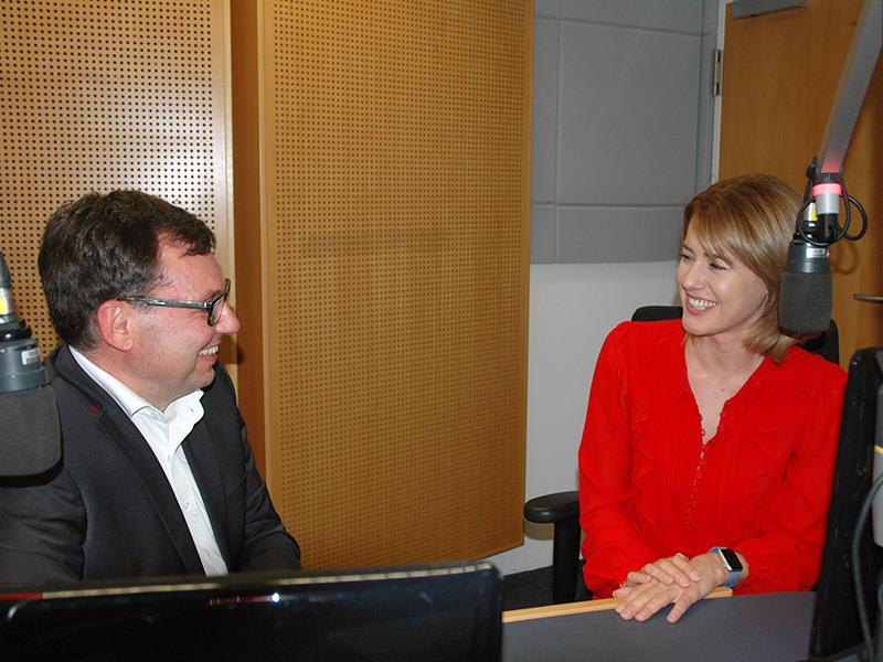 Claudia Gamon NEOS EU-Wahl Spitzenkandidatin Diskussion Robert Ziegler