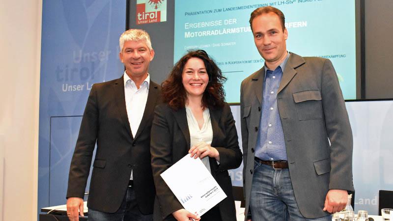 LHStvin Ingrid Felipe präsentierte gemeinsam mit Christoph Lechner (li.) und David Schnaiter die Ergebnisse der Motorradlärmstudie.