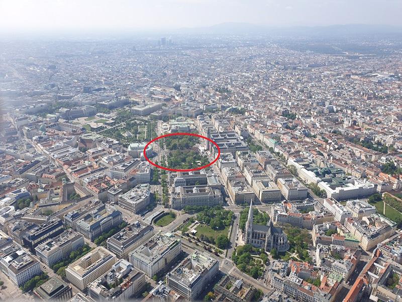 Luftbildaufnahme des Rathausplatzes am 1.Mai