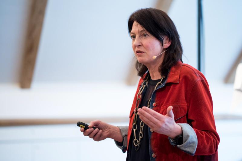 Karin Frick hält ihre Keynote