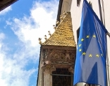 Europa-Fahne vor dem Goldenen Dachl