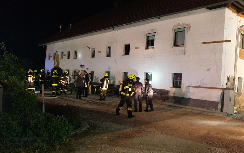 Feuerwehrleute im Einsatz in Garsten