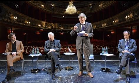 Matthias Asboth (Leiter der Dramaturgie), Direktor Herbert Föttinger, Günter Rhomberg (Vorsitzender der Josefstadt - Privatstiftung) und der kaufmännische Direktor Alexander Götz
