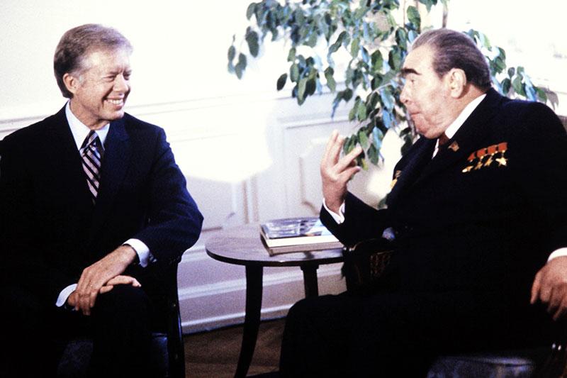Jimmy Carter und Leonid Breschnew bei den SALT2 Verhandlungen