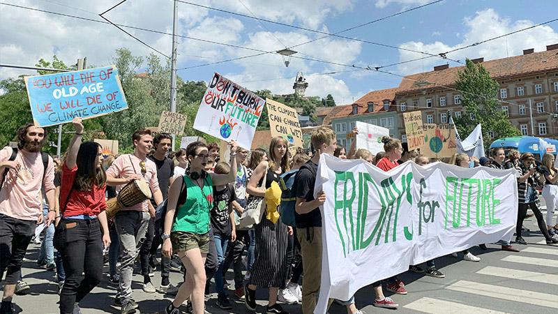 Schüler demonstrieren in Graz für das Klima