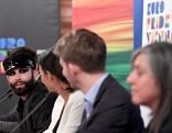 Conchita bei einer Pressekonferenz