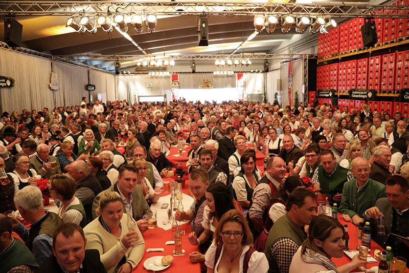 Publikum beim Kaltenhausener Gstanzlsingen