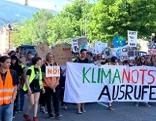 Jugendliche in Innsbruck bei der Klima-Demo