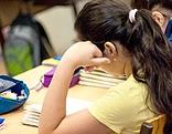 Schülerin lernt