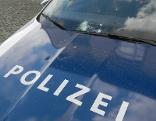 Polizeiauto beschädigt