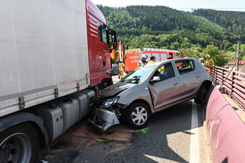 Unfall auf Haller Innbrücke