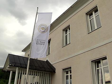 Atelje umetnosti Libuče Kovacic Kovačič Tatjana Gregor galerija Pliberk godba libuška
